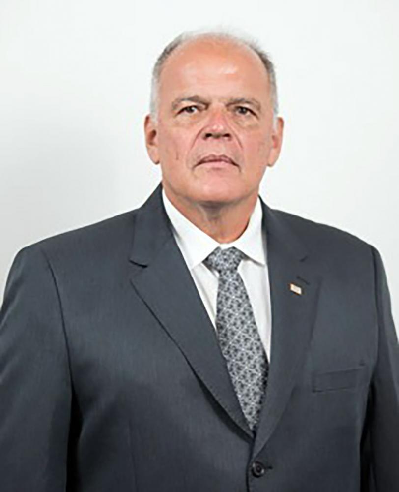 Colunista João Camilo Pires de Campos