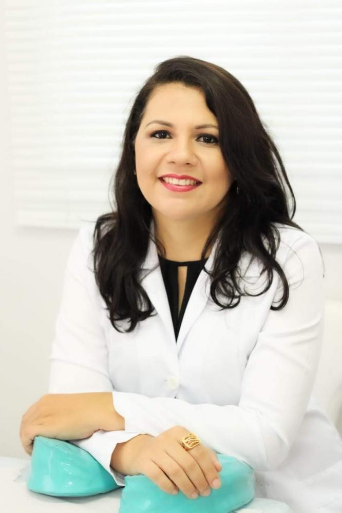 Colunista Laurinéia Silva