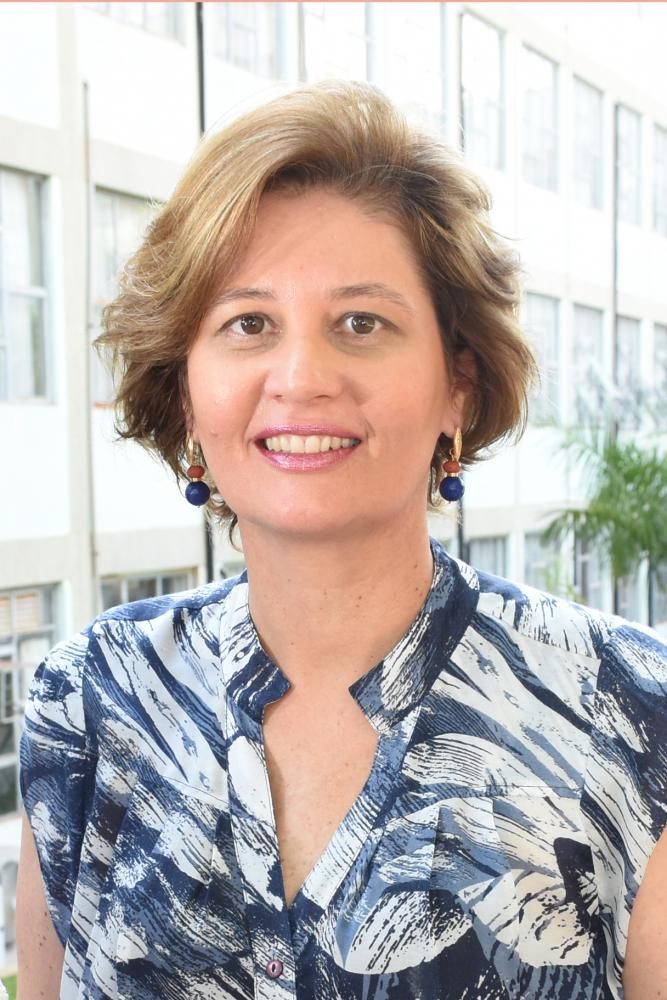 Colunista Ana Claudia Ambiel