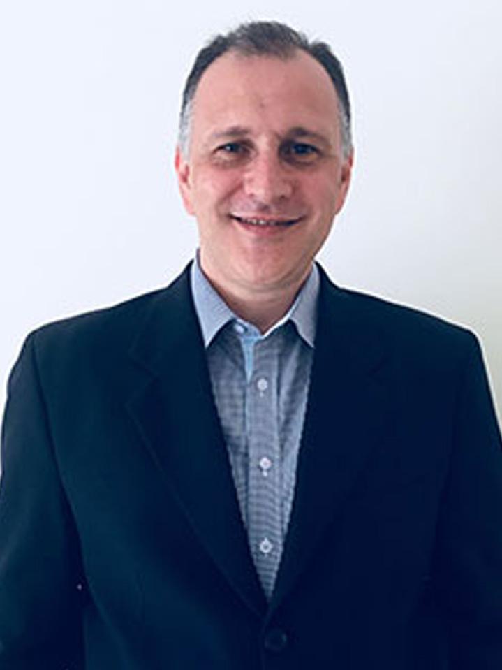 Colunista Douglas Fernandes