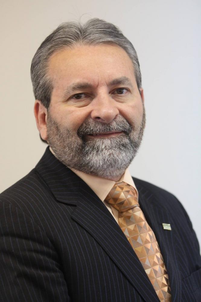 Colunista José Hiran da Silva Gallo