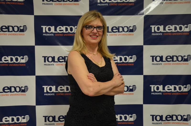 Colunista Maria Cecilia Palácio Soares