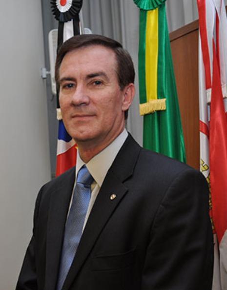 Colunista Coronel Alvaro Camilo