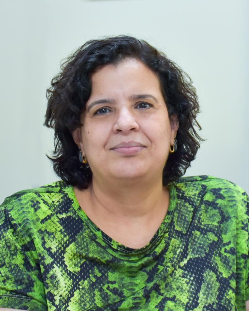 Colunista Célia dos Santos Silva