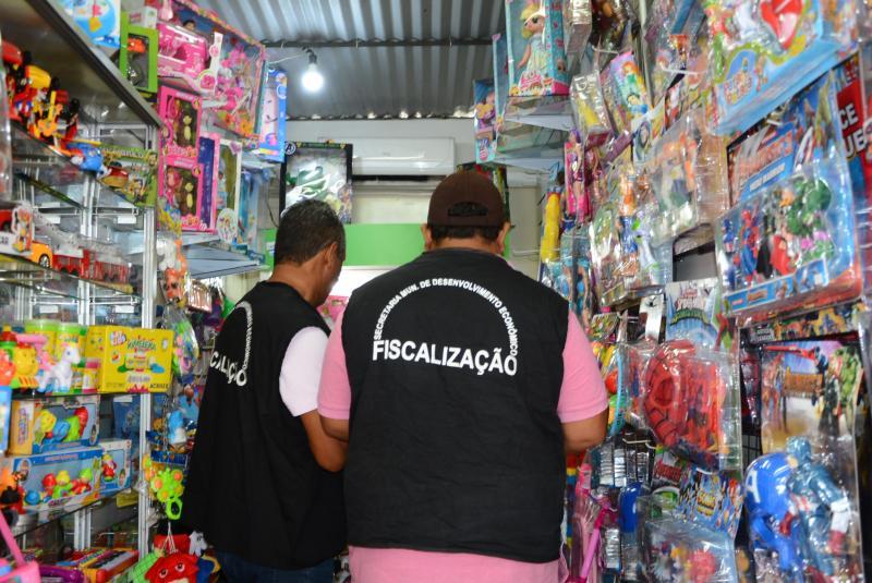 Fiscais da Sedepp notificaram os boxistas a deixarem o local, uma vez que o município foi obrigado a reduzir o número de boxes instalados para 240