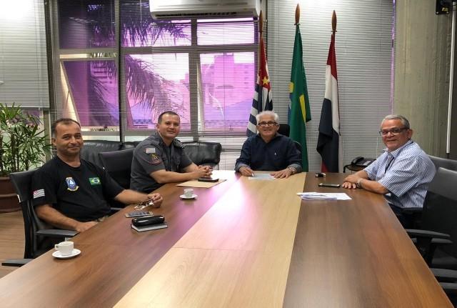 Prefeitura de Prudente - Em encontro ficou definido que Prefeitura fará visitas nos prédios desativados