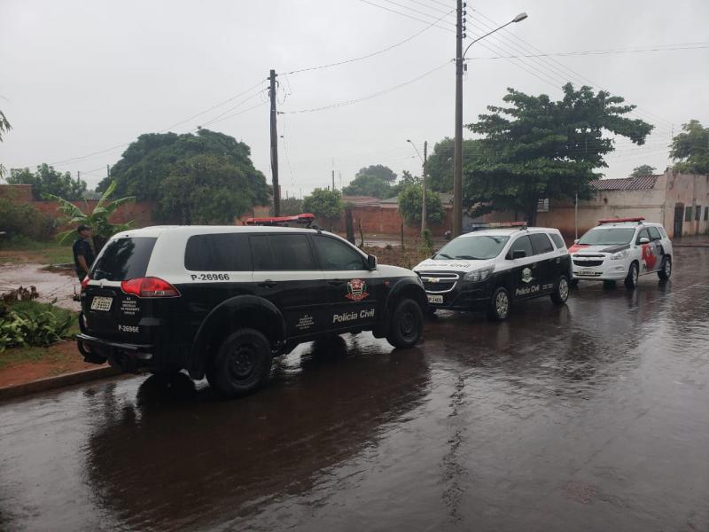 Polícia Civil - Policiais estiveram em residências da Vila Furlan e Estação, além do distrito de Planalto do Sul, nesta manhã