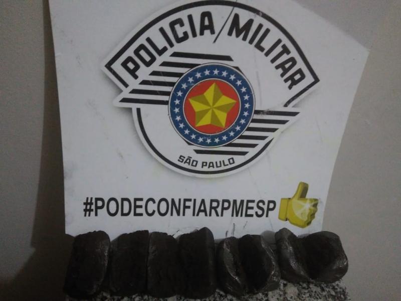 Polícia Militar - Invólucros cilíndricos estavam com 2 visitantes de presos