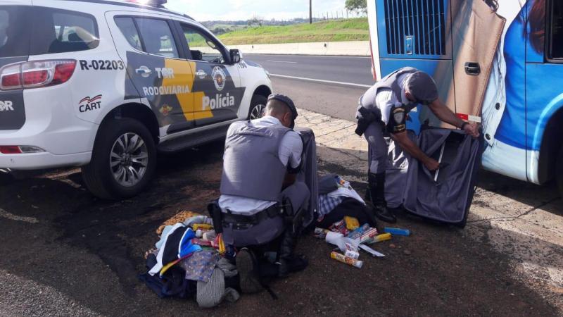 Polícia Militar Rodoviária:Drogas estavam em fundo falso de duas malas