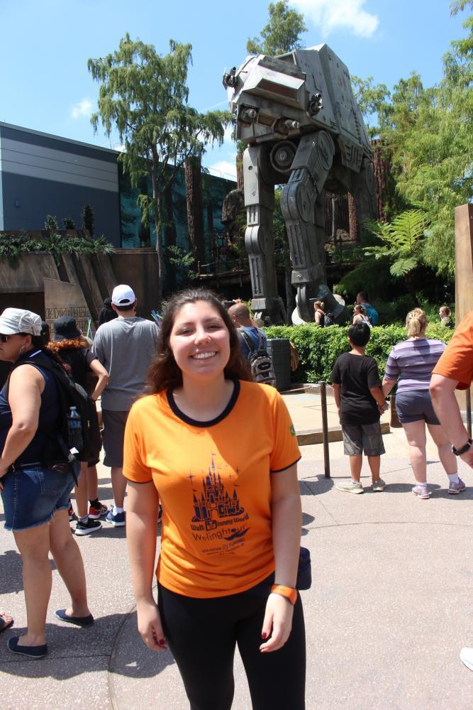 Carolina Menezes já conheceu algumas atrações do universo Star Wars, em viagem à Disney pela Welingtour