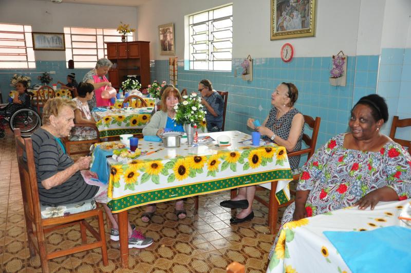 José Reis - Lar São Rafael abriga atualmente 50 homens com idade de 60 a 96 anos, e 36 mulheres da mesma faixa etária