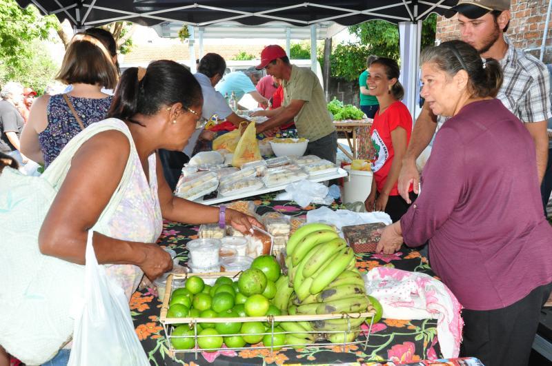José Reis - Feira expõe produtos agroecológicos e orgânicos da agricultura familiar em PP
