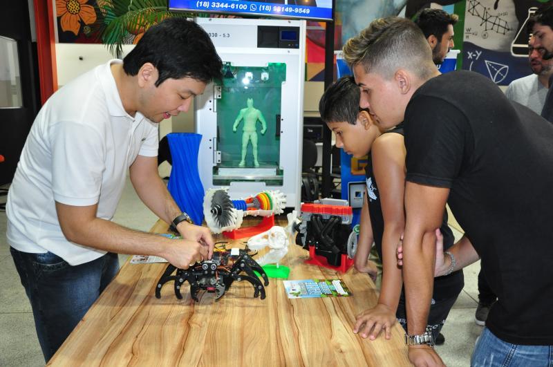 José Reis  - Felipe Hatanaka levou projetos com drones e impressoras 3D