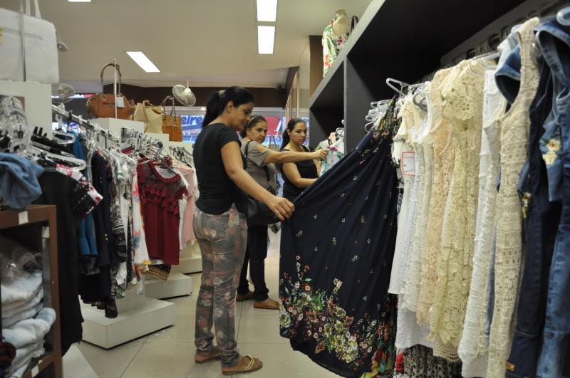 Arquivo - Vendas do comércio na região registraram faturamento real de R$ 969 milhões em dezembro