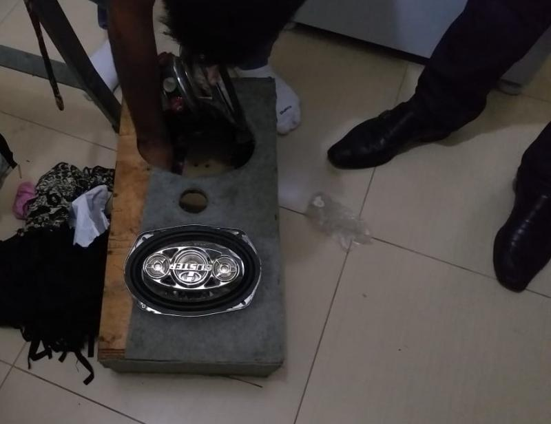 Polícia Civil - Drogas estavam dentro de caixa de som acústica