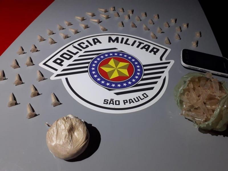 Polícia Militar:Drogas estavam enterradas embaixo de árvore