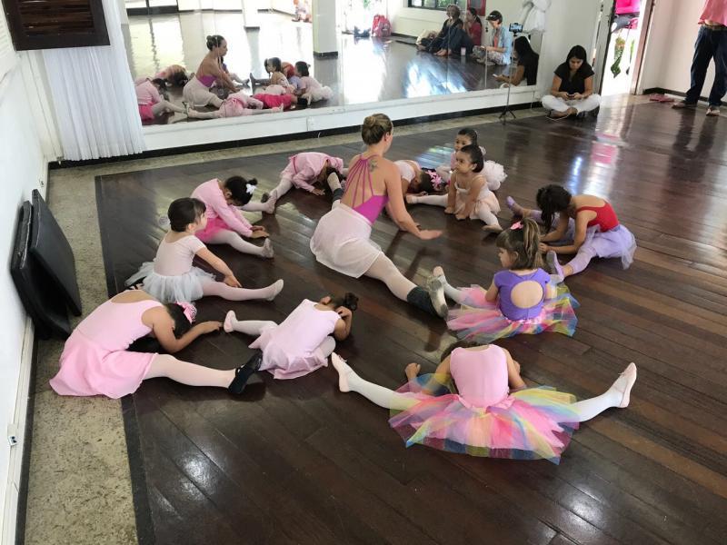 Cedida/Juliana Luizari Silva:Prudentina atua no Rio de Janeiro como professora de balé clássico e jazz