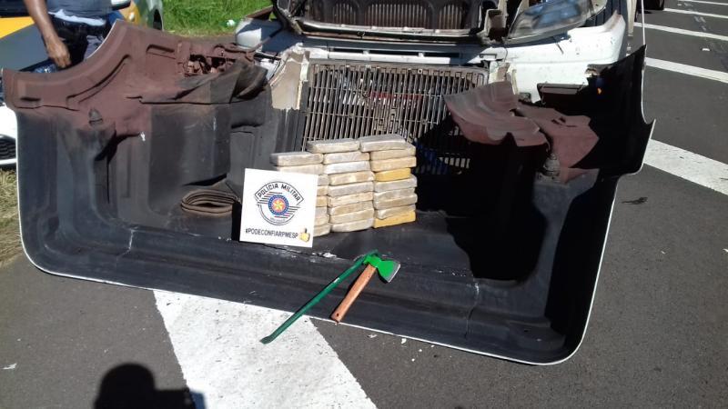 Polícia Militar Rodoviária:Drogas foram apreendidas na SP-294, em Irapuru
