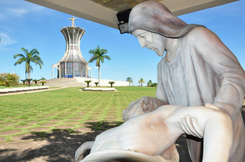 Fotos: José Reis:Morada de Deus, em Machado, conta com as 15 estações em tamanho especial