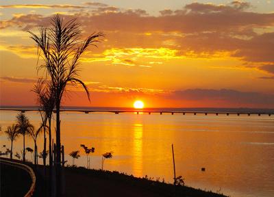 Arquivo -Destaque turístico, pôr-do-sol é atrativo natural em Presidente Epitácio
