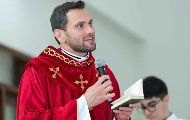 """Arquivo - Helitom Bigas, um dos remanejados: """"sou padre da igreja e ela está onde há necessidade"""""""