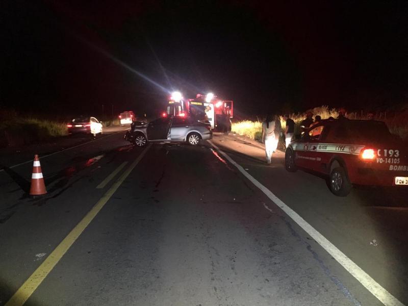 Polícia Militar Rodoviária - Colisão entre veículos resultou em uma vítima fatal e quatro graves