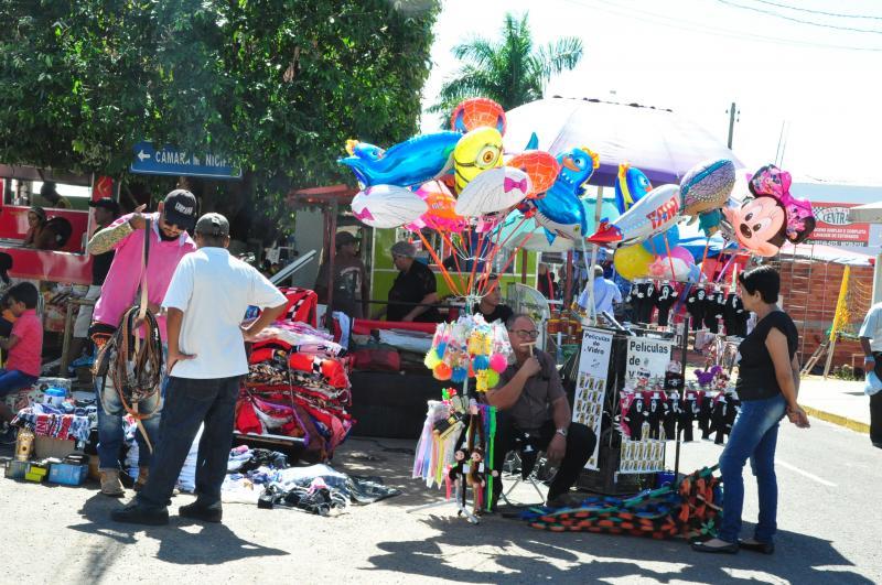 José Reis - Vendedores também vêm de diversas cidades para vender produtos na cidade