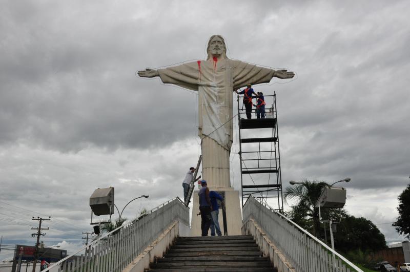 José Reis -Restauração do Cristo seguirá pelos próximos dias, a depender de condições climáticas