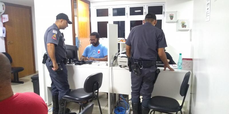 Weverson Nascimento -Ontem, 20 policiais participaram da ação voluntária