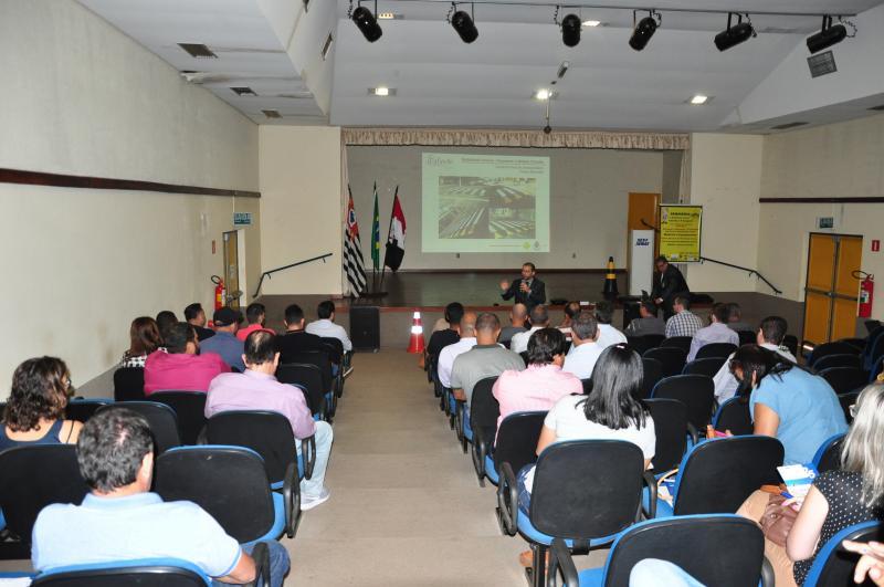 José Reis -Encontro recebeu 36 dos 100 municípios convidados para o debate sobre trânsito na escola