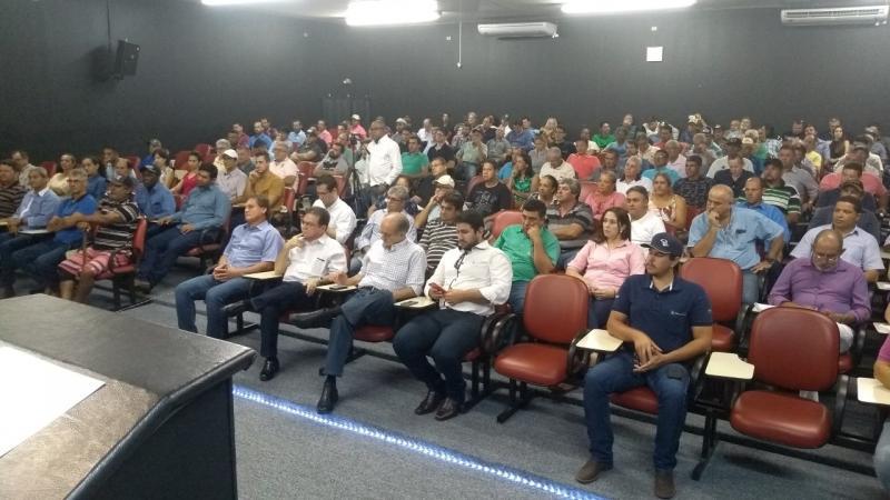 Weverson Nascimento - Encontro reuniu empresas de laticínios e produtores de leite do Pontal do Paranapanema
