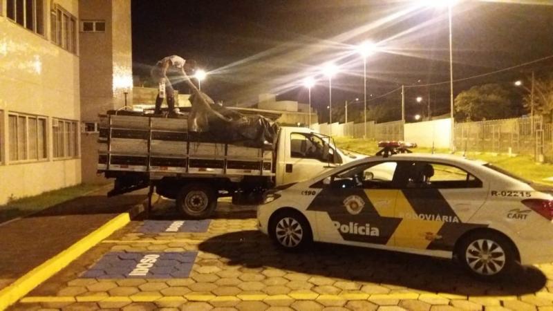 Polícia Militar Rodoviária  - Carga estava dentro de veículo apreendido durante fiscalização