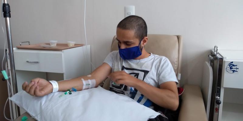 """Weverson Nascimento -Gabriel: """"Tenho 95% de chance de cura com a quimioterapia"""""""