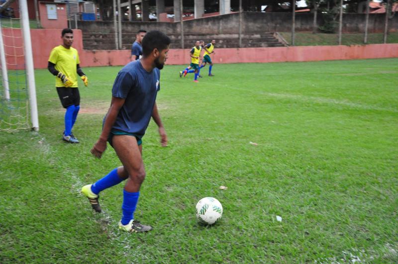 José Reis - Além dos treinamentos diários, equipe enfrentou dois amistosos ao longo da semana