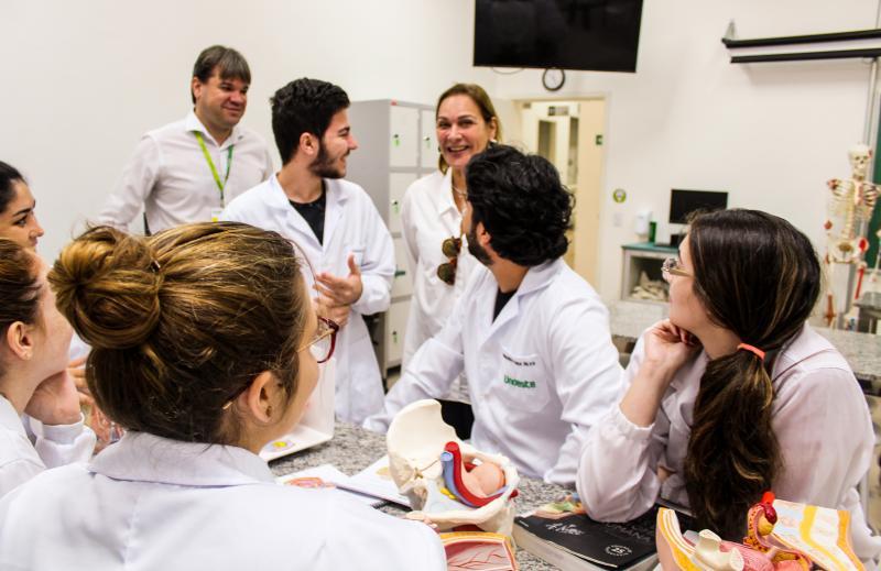 Reitora da Unoeste, Ana Cristina de Oliveira Lima, nas instalações da Unoeste em Jaú (SP)