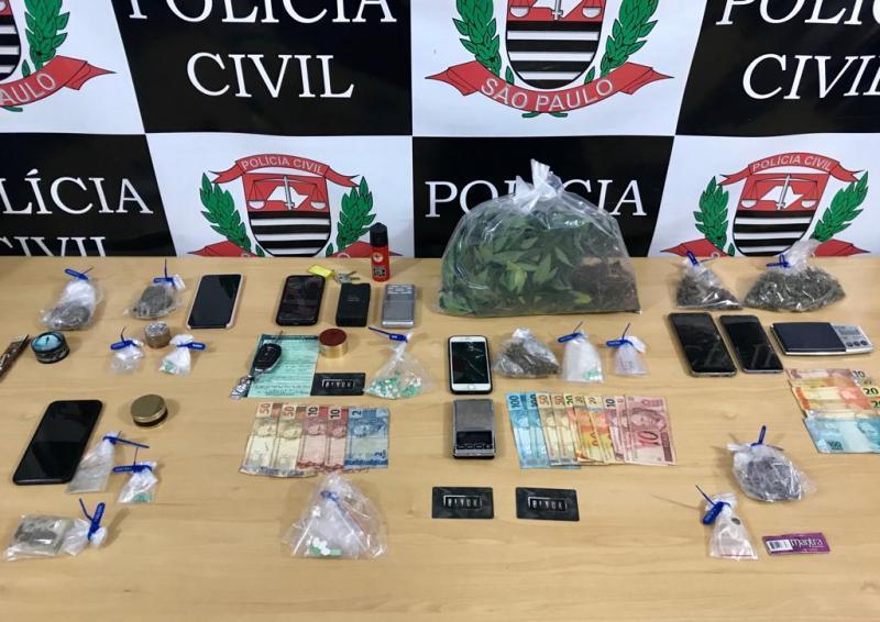 Polícia Civil - Polícia apreendeu drogas sintéticas como LSD, ecstasy, MD e maconha