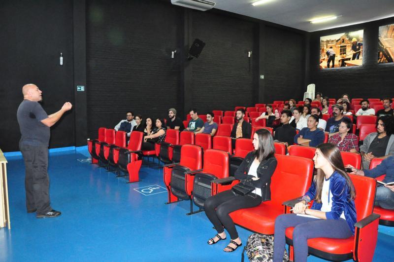 José Reis -Encontro com artistas ocorreu ontem no Matarazzo, em PP
