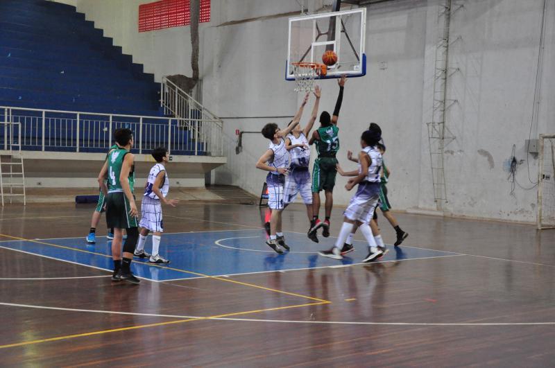 José Reis - Primeiro jogo, ontem, foi entre os times Semepp/Criarte e Bauru Nasket, pelo sub-15
