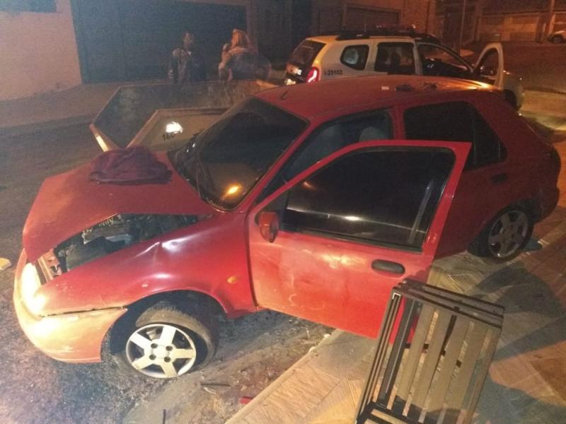 Polícia Militar:Carro furtado em Dracena ficou danificado após a batida