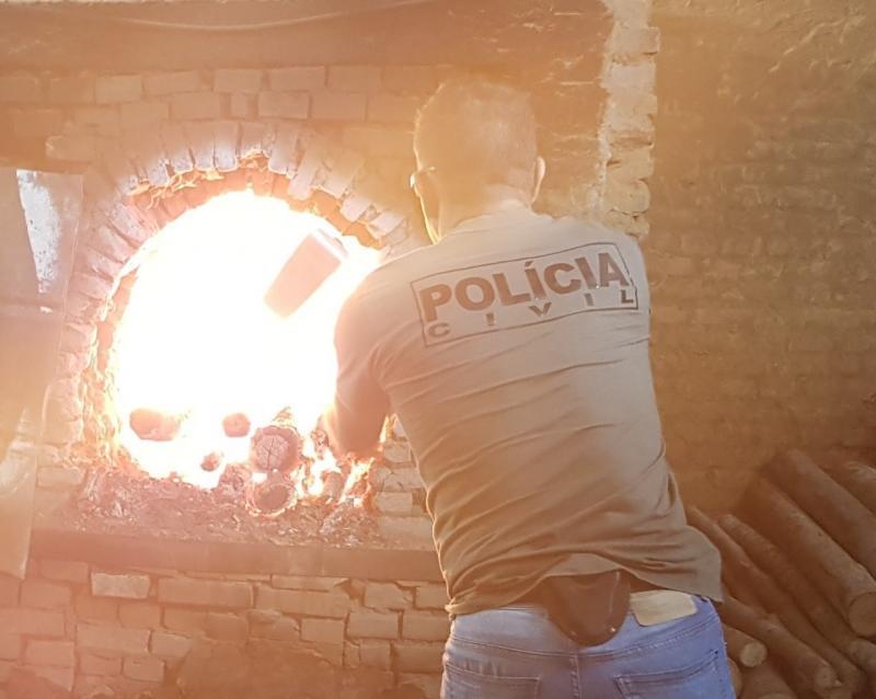Polícia Civil:Foram queimados mais de 56 quilos de cocaína, além de algumas porções de maconha