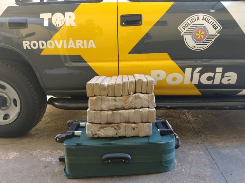 Polícia Militar Rodoviária:Maconha estava dentro de uma mala, no ônibus que seguia em linha para Catanduva (SP)