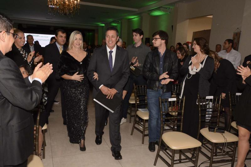 Rafael Antonio Marques e a esposa Elaine de Cássia Grotto Marques