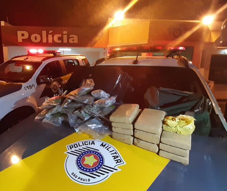 Polícia Militar Rodoviária:Na ocorrência inicial, foram apreendidos 15,660 kg de maconha