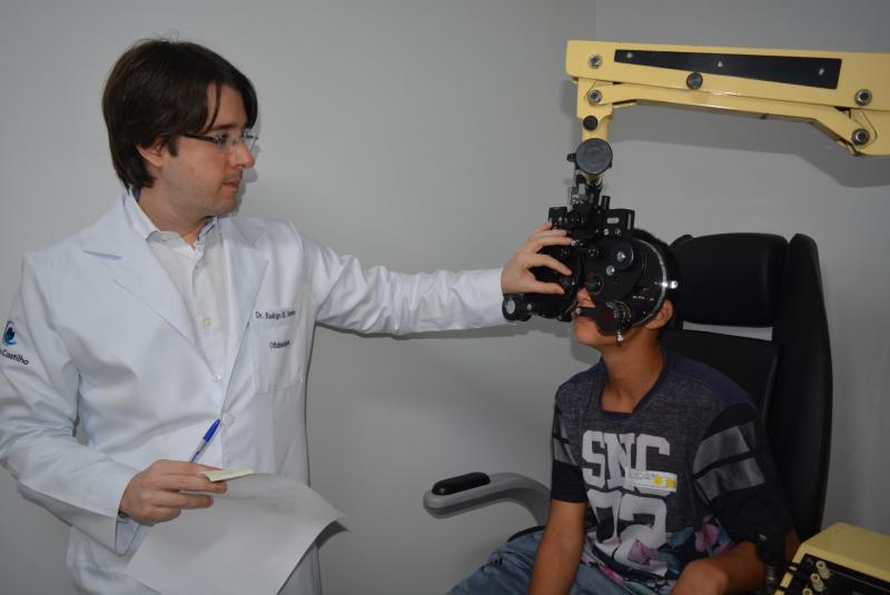 Valéria Garbullio/AI Santa Casa:Testes de acuidade visual são realizados com alunos do 6º ano