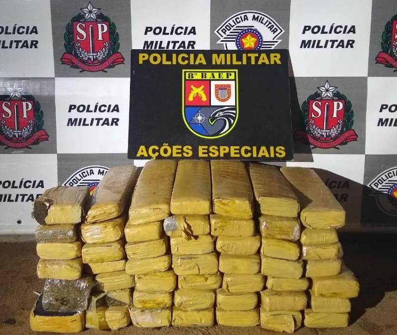 Polícia Militar:Droga estava em fundos falsos de um veículo Chevrolet/Onix