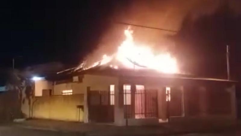 Reprodução/WhatsApp:Corpo de Bombeiros acredita que alguém provocou o incêndio