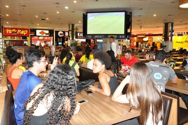 José Reis - Atletas do futebol feminino de Prudente se reuniram para acompanhar a Copa do Mundo