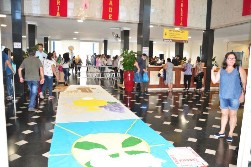José Reis:Procissão pelo tapete de 30 metros aberto na unidade hospitalar ocorreu após a cerimônia
