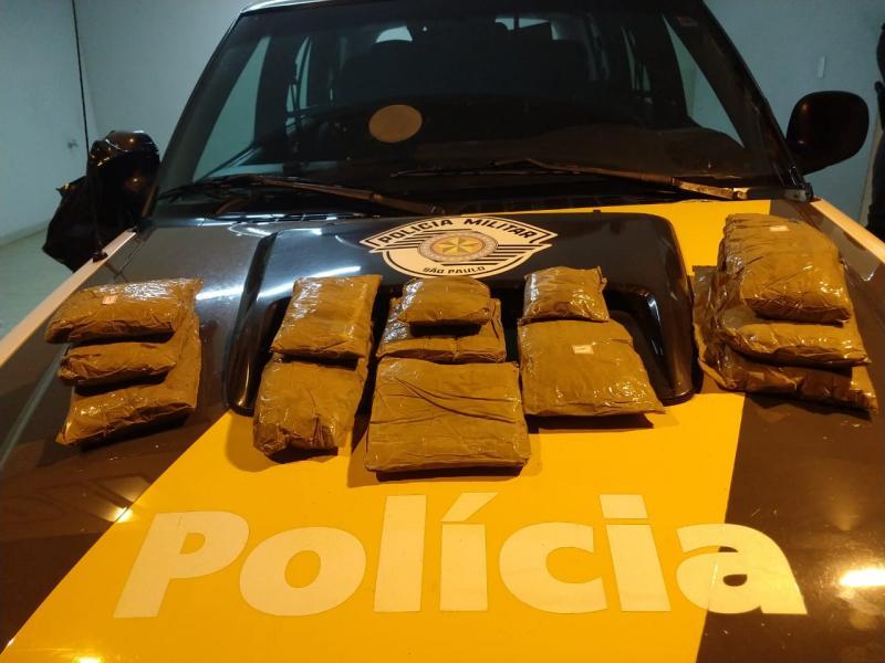 Polícia Militar Rodoviária -Pasta base de cocaína foi adquirida em uma cidade da Bolívia