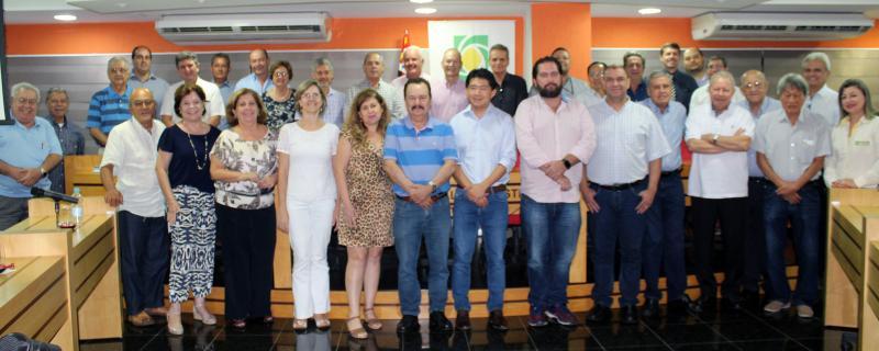 REGISTRO Conselheiros e diretores da Acipp (Associação Comercial e Empresarial de Presidente Prudente), que comemora os 92 anos, como uma das mais antigas e atuantes instituições do município